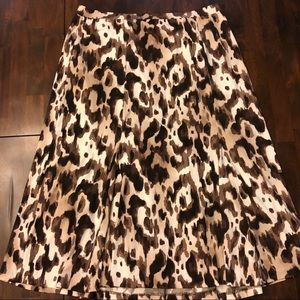 Animal print Jones wear midi skirt